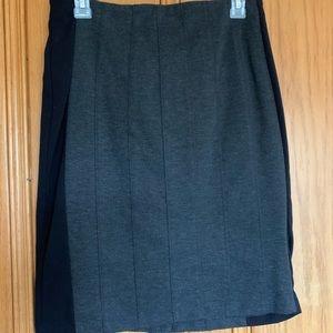 Worthington gray knit pencil skirt, Size 10